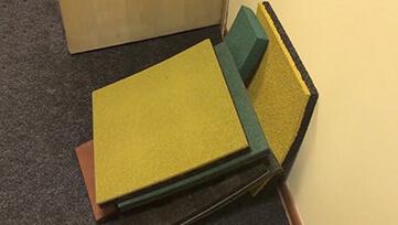 Как правильно выбрать резиновую плитку?